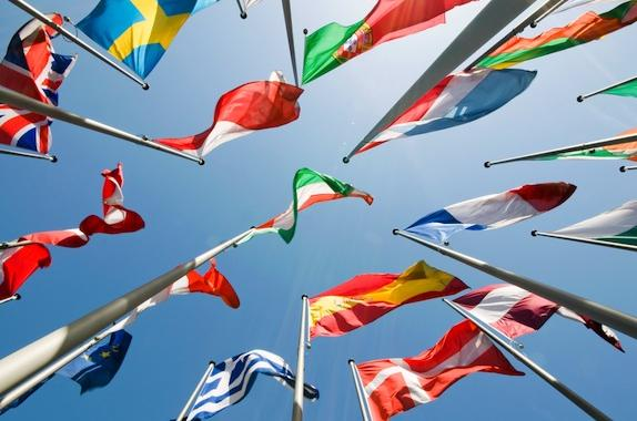 International_Global_Flags_ssk_102617819